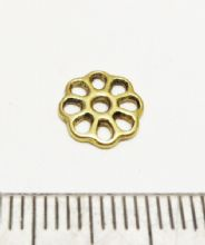 Flat open flower beadcap x 14. 9mm gold.